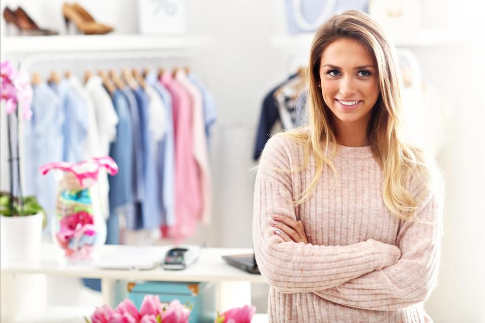 Advantages of online shopping of women's clothing